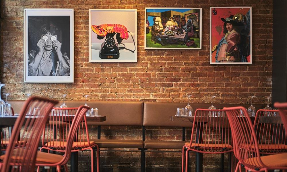 Décor créatif dans le Vieux-Montréal au Restaurant le Polisson